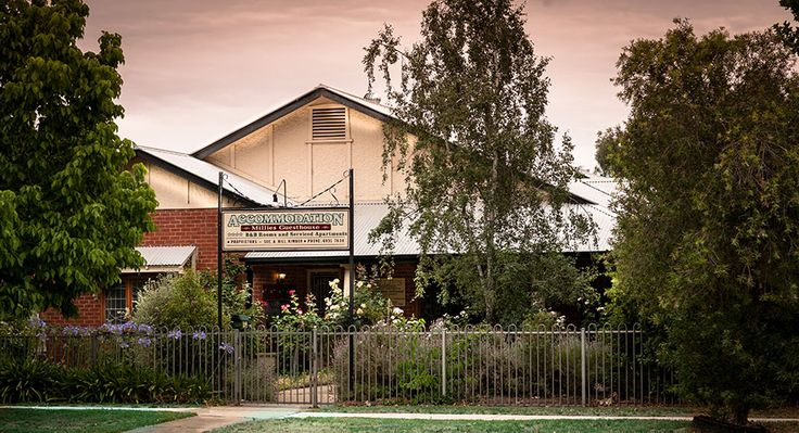 Millies Guesthouse and Service Apartments is the best Guest House in Wagga Wagga with finest Service Apartments.