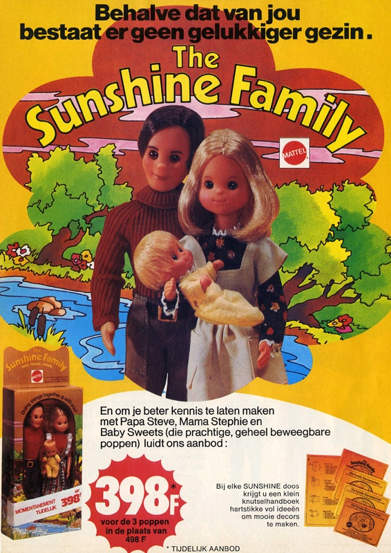 I totally had these dolls as a kid... I remember my dad putting the house and furniture together for me...