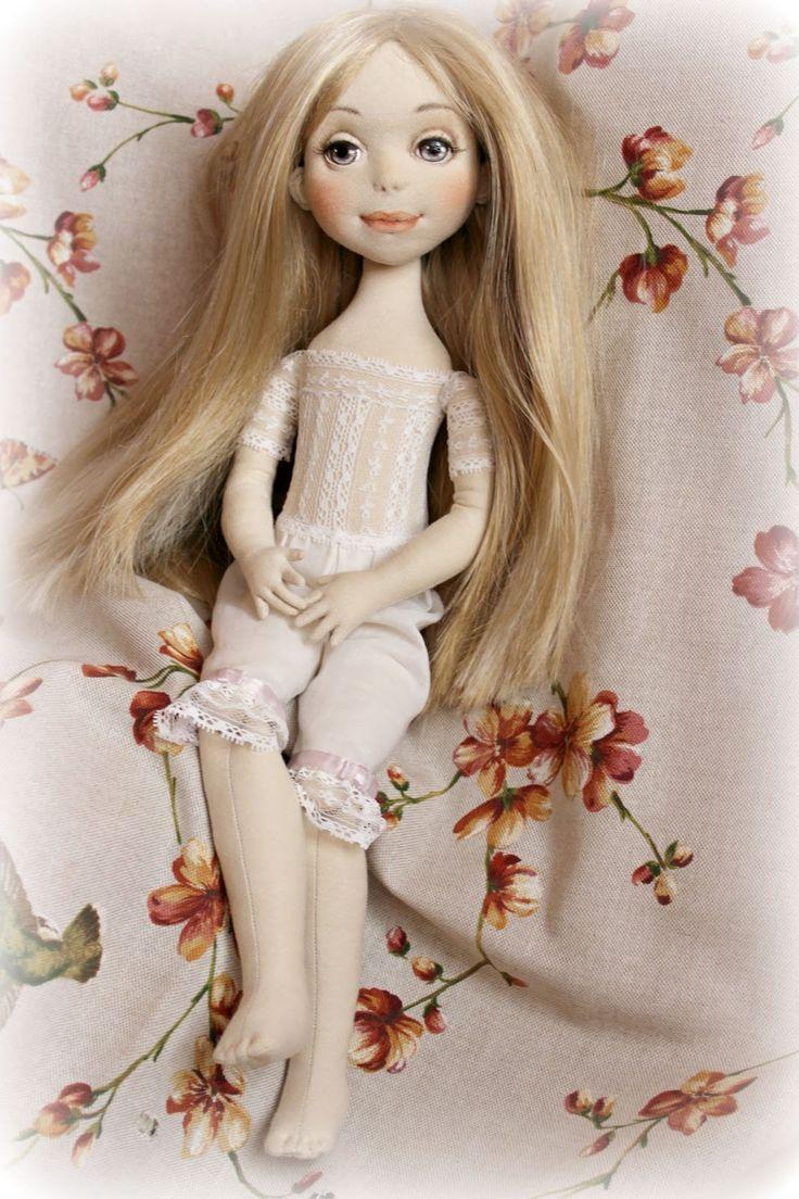 Рост 49см. Голова поворачивается и слегка наклоняется, пальчики и ручки на каркасе - гнутся. Куклы от Ольги Ким: куклы