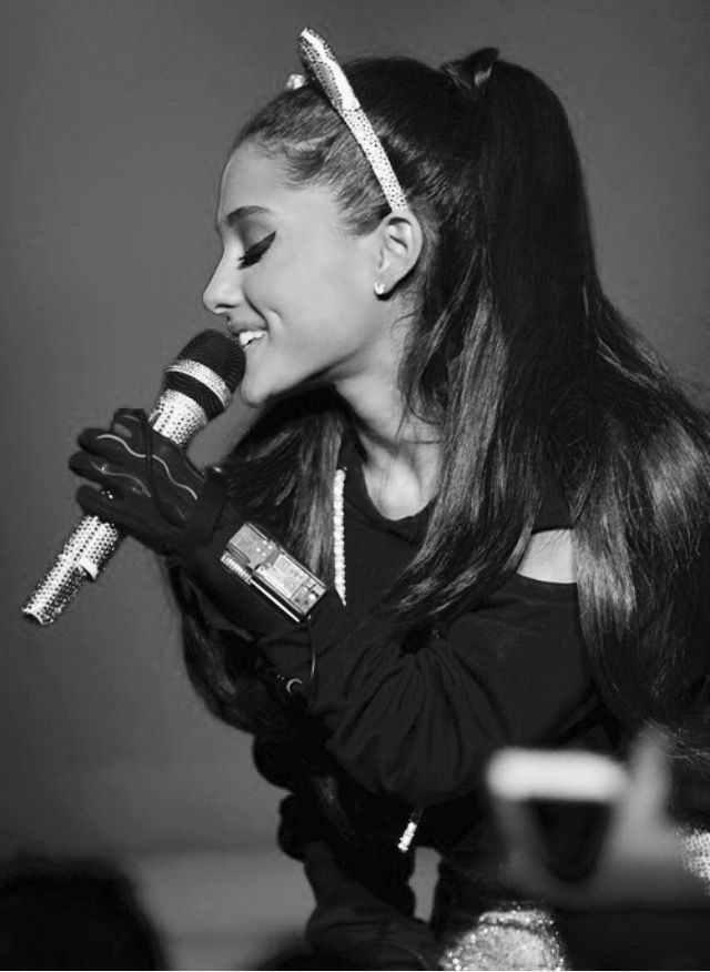 Ariana Grande: The Honeymoon Tour 2015