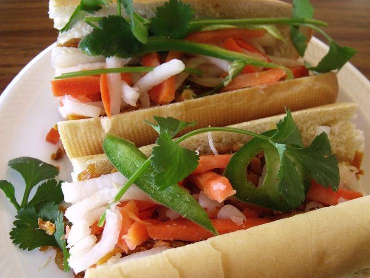 Vietnamese Vegetarian Sandwich Banh Mi From Lee S Sandwiches In Fullerton