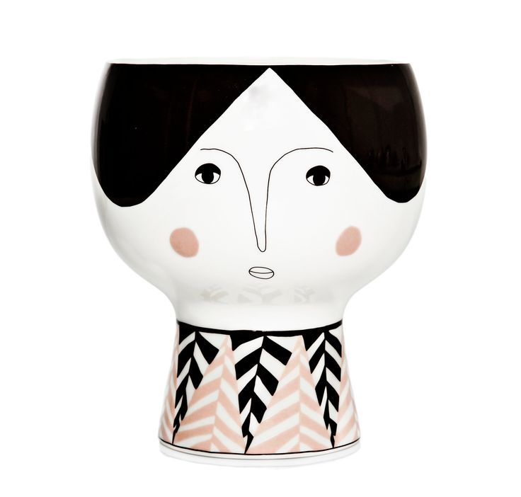Alba is a big' Flower me Happy Pot'. She is perfect for sculptural houseplants.Alba is a thoughtful and kind lady. She is made of cream colored porcelain with dark brown and light rose ceramic decals.Size: H: 18 cm Dia: 14 cmDesign: Meyer-lavigne