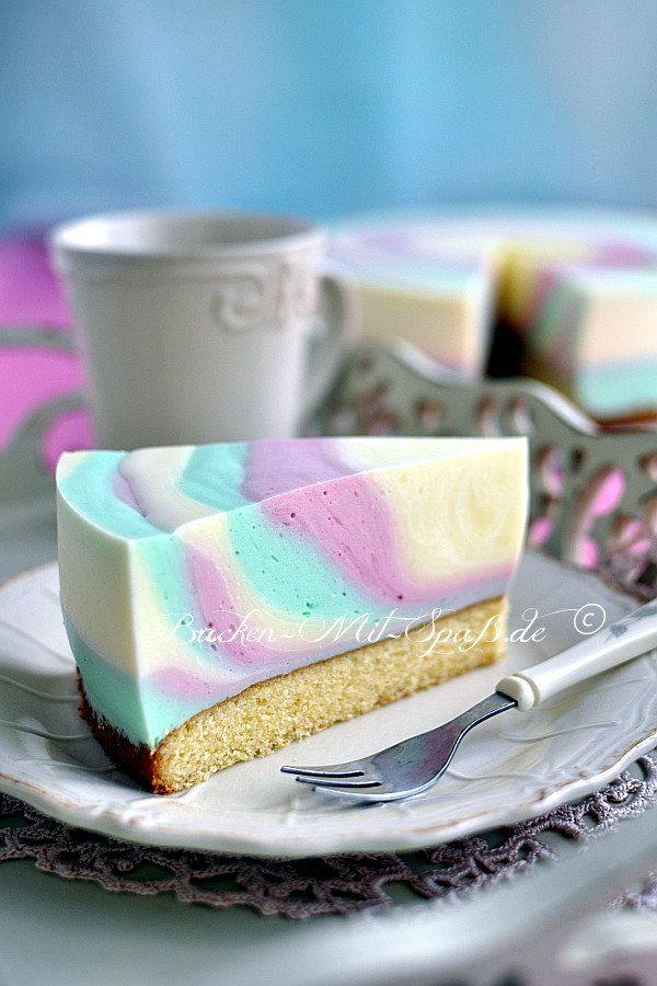 Ein leichter und erfrischender Joghurt-Kuchen. Nicht zu süß und optisch sehr schön.