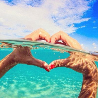 "love-this-pic-dot-com: "" Love in the ocean """