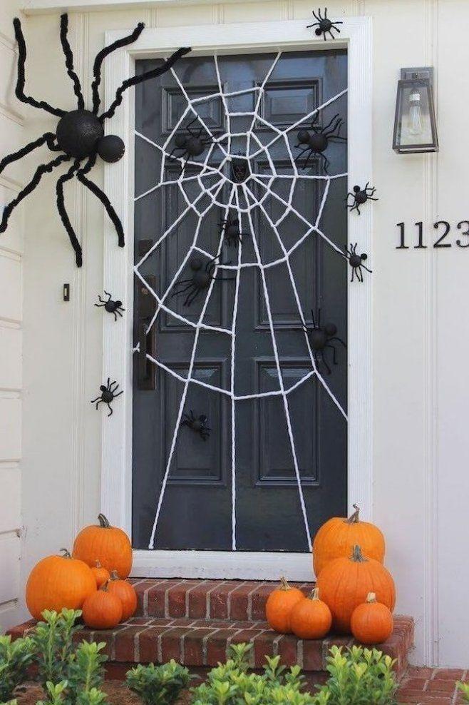Tuerdeko Zu Halloween Mit Spinnweben Decor Diy Decor Styles Halloween Decoracion Casa Te Halloween Diy Door Diy Halloween Porch Halloween Door Decorations