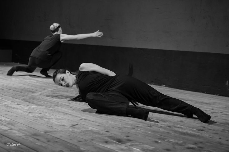 da coreografia Walking and Talking - Equilibrio Dinamico Dance Company