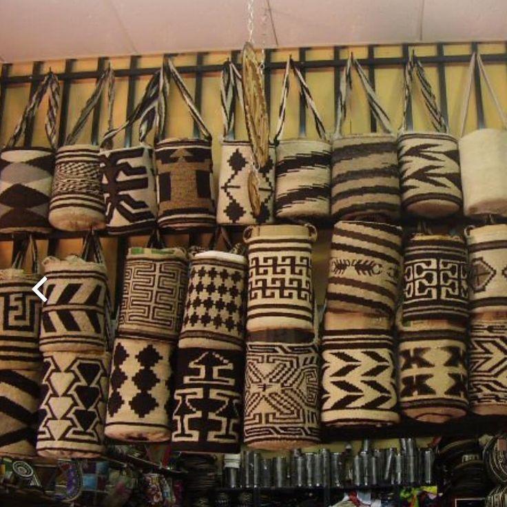 56 отметок «Нравится», 4 комментариев — Claudia Pernia (@perniarts_inc) в Instagram: «The mochila arhuaca , is a popular Colombian artisan bag made by the Arhuaco people of the Sierra…»