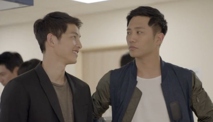 """Bromances have been everywhere indramas, and to great success, with unlikely, playful friendships between two guys bringing so much funto the viewer experience. But just when we thought we knew bromances, we get Yoo Si Jin (Song Joong Ki) and Seo Dae Young (Jin Goo) in """"Descendants of the Su..."""