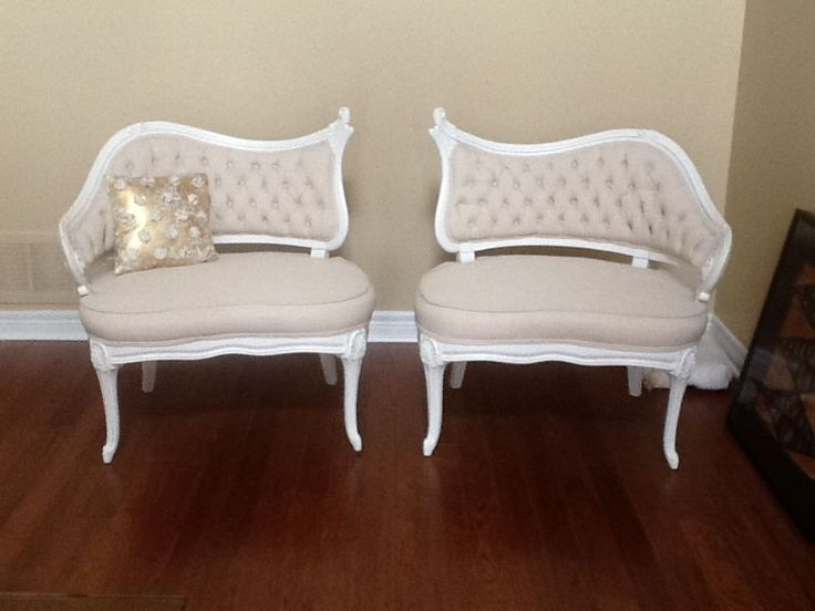 if you are looking for unique, quality touches, southern charm vintage rentals offers one of the largest selection of elegant and french rental decor in the gta. we offer: *glam gold mirrors in all sizes *seating charts *table number *his and hers french salon chairs (must see) *french vanities and hutches *elegant card boxes *mini lounge *oval french sweets table *amazing gold
