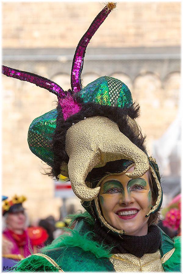 .. also heute noch - Samba Karneval in Bremen ... .. und die Freiluft Insektenfotografie dauert ja wohl noch ein bisschen ... .. und wer weiss - ob...