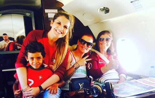 Família apoia Cristiano Ronaldo - a Ferver Flash!Vidas
