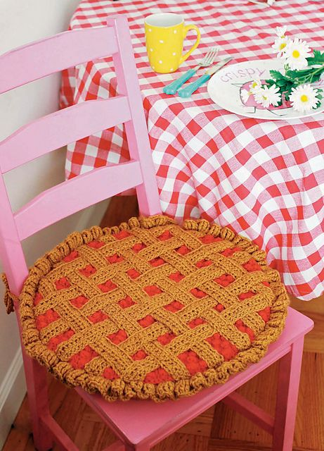 Twinkie Chan's Crocheted Abode a la Mode: 20 Yummy Crochet Projects for Your Home Cherry Pie Seat Cover