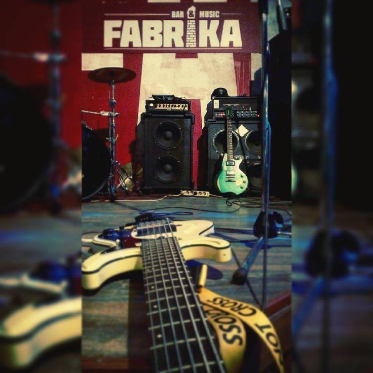 #гребля #греблярок #саундчек #клубфабрика #фабрика #greblya #greblyarock #rockrowing #rock #rocknroll #rockconcert #soundcheck #bassguitar #guitar #guitaramp
