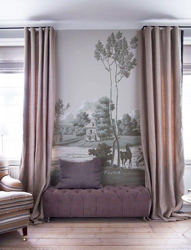 de Gournay wallpaper La Chasse de Compiegne design in Crystal Grey colourway on scenic paper. Interior design by Tapet Café.