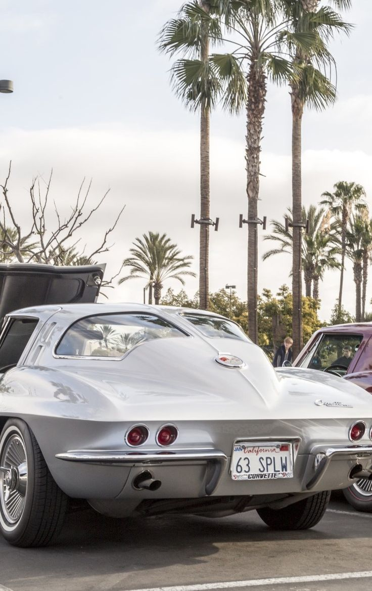 Chevrolet Corvette C2 split window