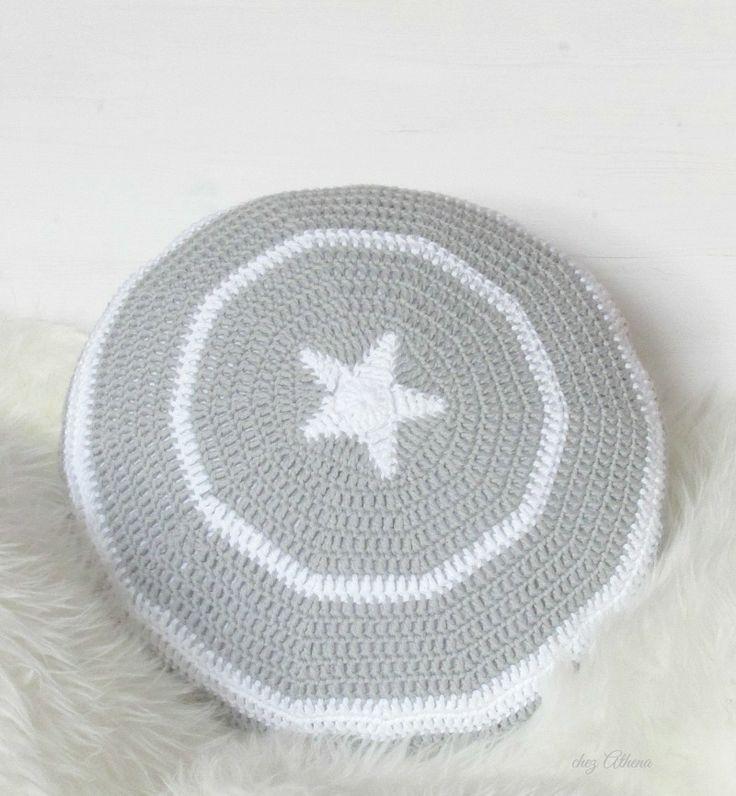 * Crochet pillow * grey star * combination white / grey *