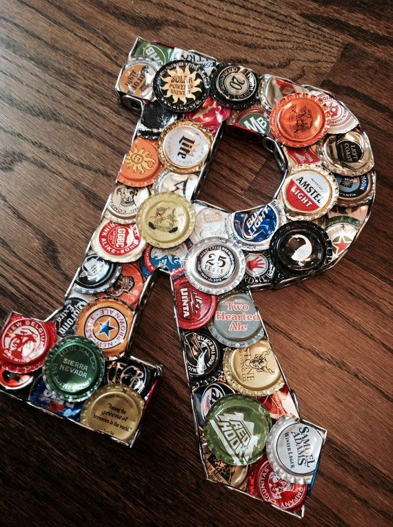 Best 25 beer decorations ideas on pinterest man cave for What can i make with beer bottle caps