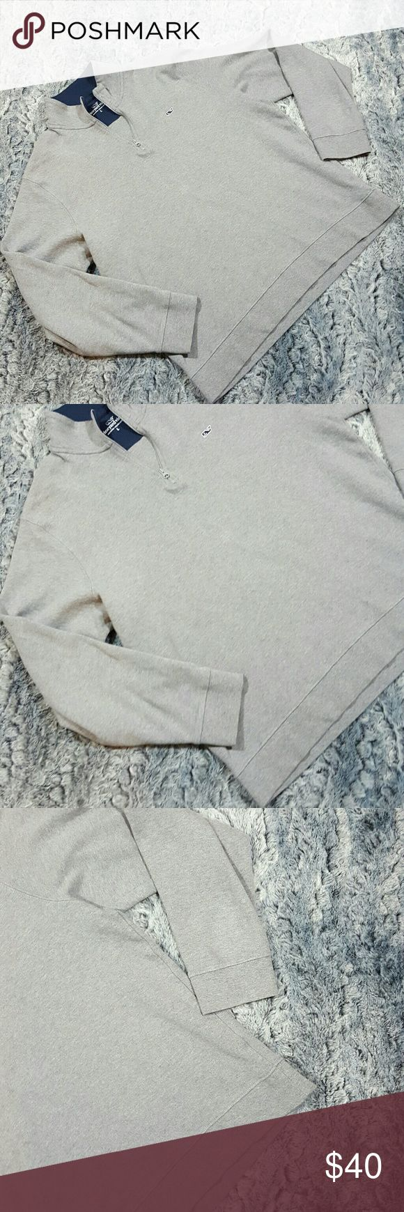 """Vineyard Vines 1/4 Zip Sweater Large Mens Vineyard Vines Sweater Cotton 1/4 Zip Pullover Gray LS Mock Collar Sz Large  Gently used with no flaws, see photos   Material: 100% Pima cotton  Measurements: 24"""" armpit to armpit  24"""" waist while laying flat  27"""" in length   A01 Vineyard Vines Sweaters"""