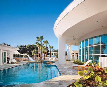 John Travolta / Kelly Preston - Florida pool