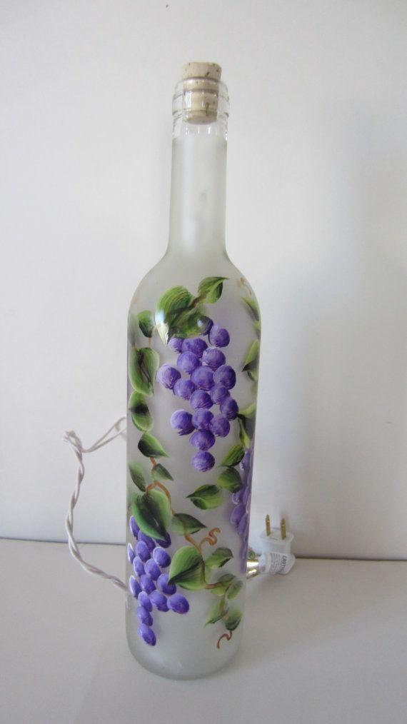 Iluminado de uva helada botella de vino por EverythingPainted