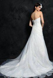 Daisy White csipke esküvői ruha