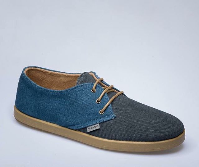 El blue navy siempre es una buena opción ¡Que paséis un buen fin de semana!   Blue Navy is always a good option. Enjoy the weekend! #Friday #weekend #shoes #enjoy #shoeaholic #menswear  #Shoes #barqet #barqetstyle