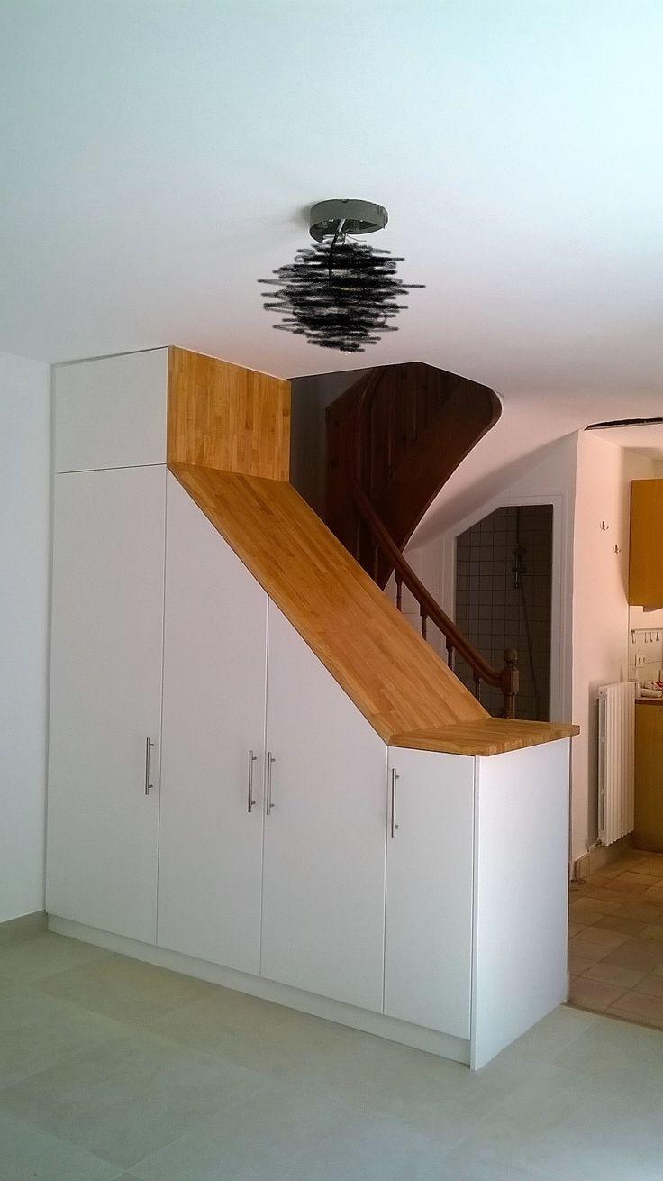 Fabrication d'un meuble sur mesure, et main courante en bois