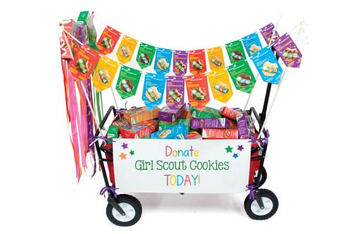 Make way for mini parade floats! Girls can cart cookies around with pride with this fun parade float craft.