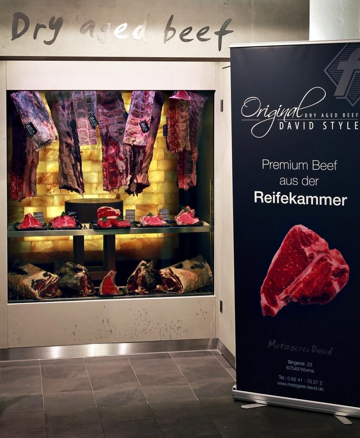 Juni 2012, Salt Relax-Salzwand in der Reifekammer für Dry Aged Beef, Metzgerei David in Worms,