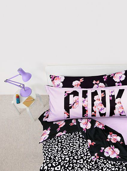 Super cute apartment style bedding set! LOVE the colours!