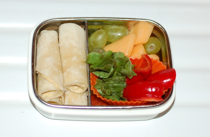 A week's worth of simple fresh food lunches  - 12 lunches for 3 kids. Via Simply Natural Mom.