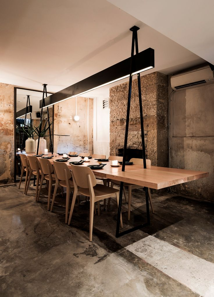 Private Dining Extendable Table ACME Sydney By Luchetti Krelle