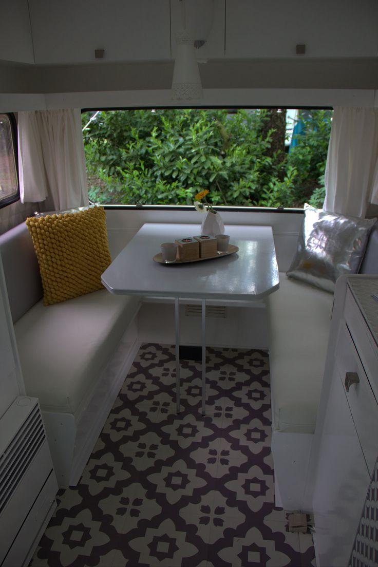 Marktplaats caravan Kip | Caravanity Why not white or light covers? 1