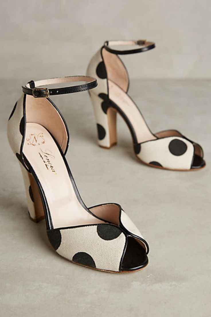 Cool 35 Beautiful Ankle Strap Heels Outfits For Spring from http://www.fashionetter.com/2017/04/12/beautiful-ankle-strap-heels-outfits-for-spring/