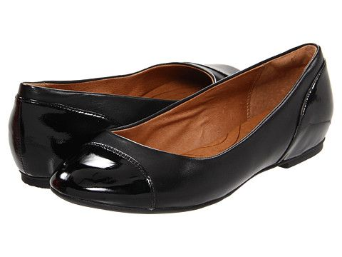From the office to anywhere after, these chic flats are sure to complement just about any outfit in your closet! #Flats Clarks Valley Moon. #zappos #fashion