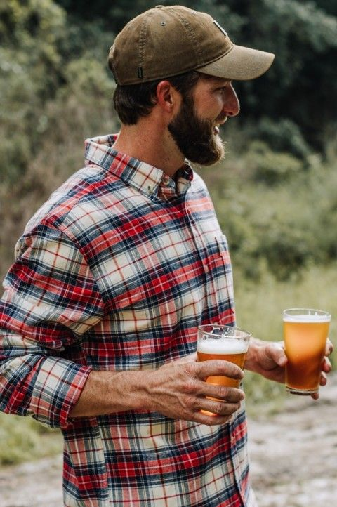 What's a visit to the log cabin without a flannel? And what's a flannel if it isn't the Fairbanks Flannel in Lodge Plaid. Frat Outfits, Flannel Outfits, Teen Boy Fashion, Mens Fashion, Fashion Outfits, Work Fashion, Farmer Outfit, Lumberjack Style, Mens Outdoor Clothing