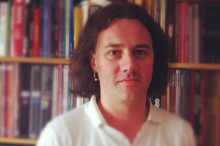 Guillaume B. Decherf, journaliste aux Inrocks, est mort hier soir au Bataclan. Il avait 43 ans. Il était père de deux enfants.