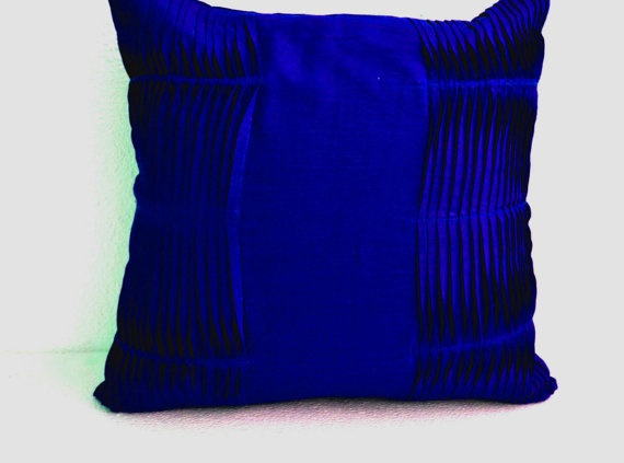 Decorative cushion royal blue pillow cover cotton throw for Royal blue couch pillows
