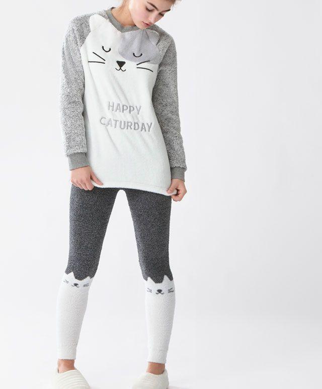 Pijama din polar - Noutăţi - Tendinţe AW 2016 în moda pentru femei, pe Oysho online: lenjerie intimă, lenjerie, îmbrăcăminte sport, etnică, boho, pantofi, accesorii şi modă de plajă.