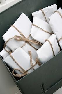 { k j e r s t i s l y k k e }: gift wrapping