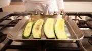 Monique van Loons zoete-aardappellatkes met auberginesalade - Recept - Allerhande - Albert Heijn