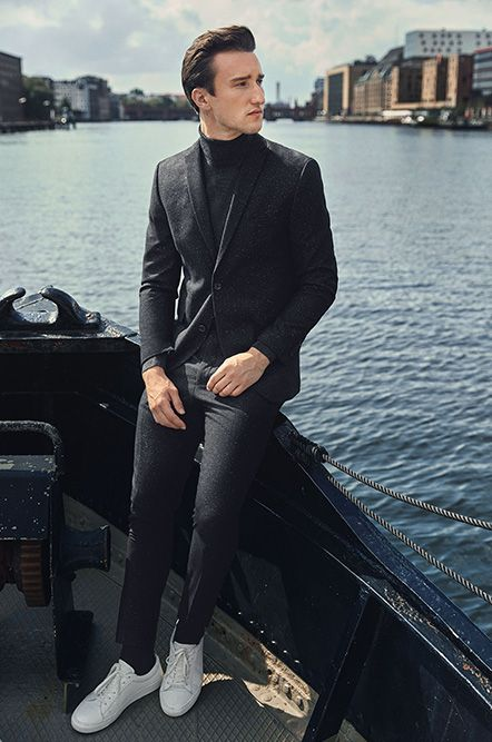 Autumn outfit idea: blazer, pullover, suit pants and white leather trainers Marcel Floruss for PREMIUM by JACK & JONES