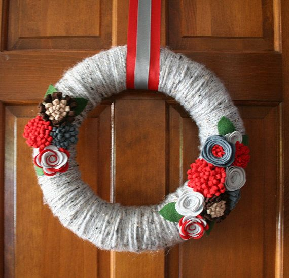 Buckeye Wreath.  Adapt into other collegiate wreaths for Christmas?