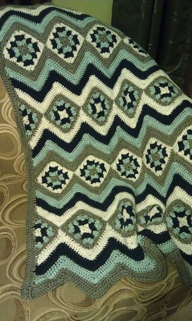 Ravelry: Project Gallery for Baby Granny Stripes Blanket pattern by Kim Biddix #crochetafghans