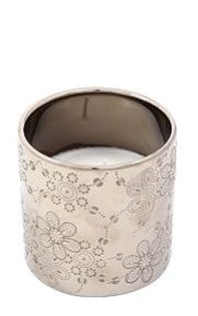 This ceramic wax fill candle has an embossed daisy flower design. It is filled with wax and will add an opulent touch to my decor while creating a beautiful ambience. at only R59.99 from mrphome
