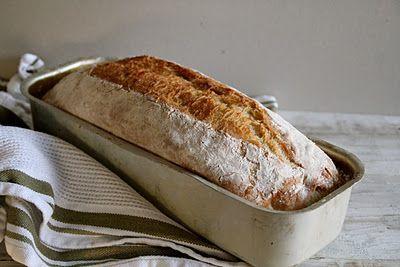 Eltefritt brød uten gryte - ja, det går også an! Oppskriften og metoden finner du her på Mat på Bordet.
