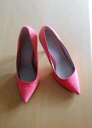 À vendre sur #vintedfrance ! http://www.vinted.fr/chaussures-femmes/escarpins-and-talons/29868481-chaussures-pointues-a-talon-corail-vif-385