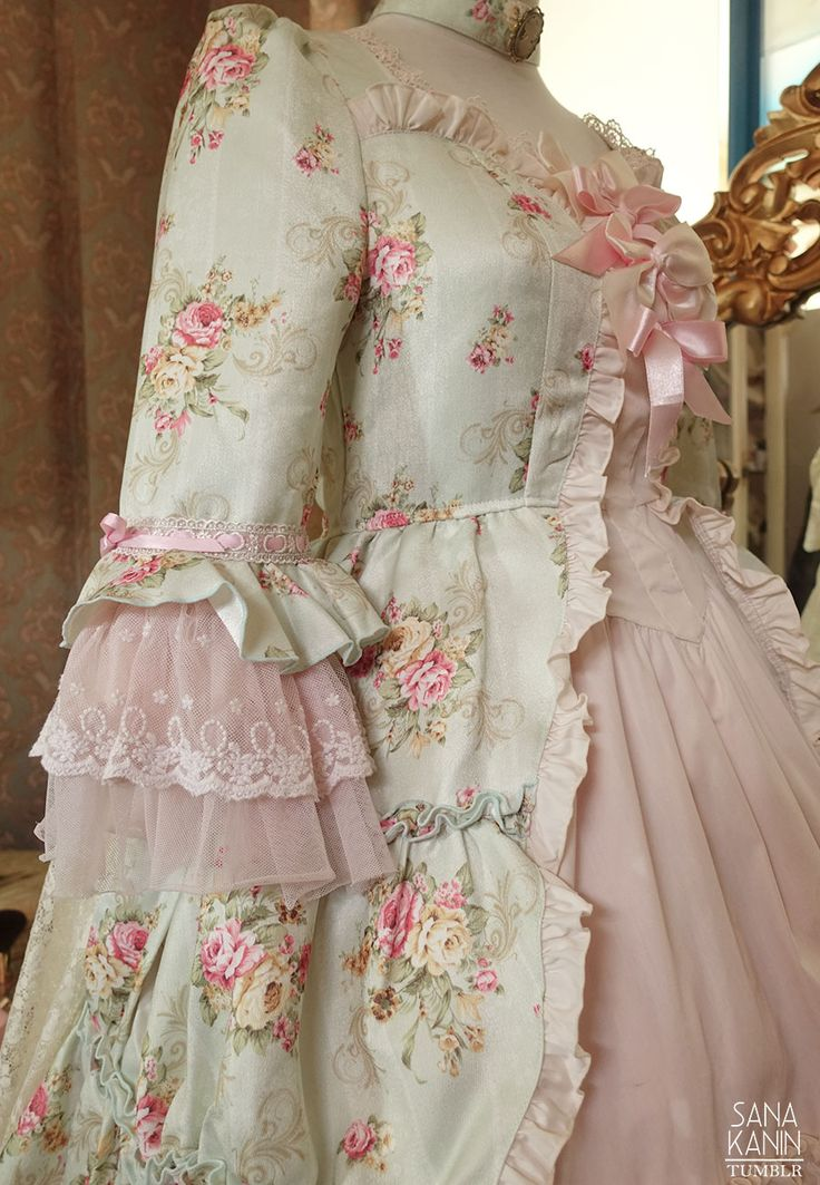 Modified Bodyline l596, aka the BL Antoinette Fleur