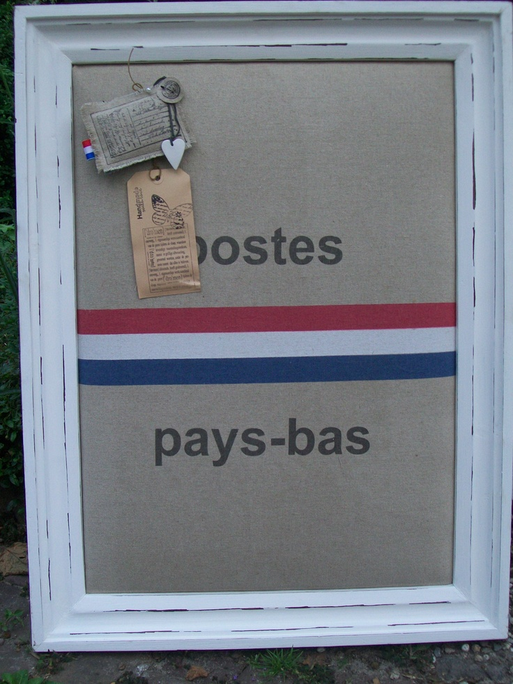 Prikbord van oude postzak | Bulletin board from old mailbag by Jolanda #DIY