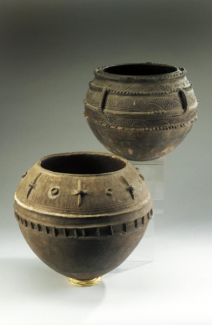 Africa | Two pots from the Nupe people of Nigeria | Teracotta
